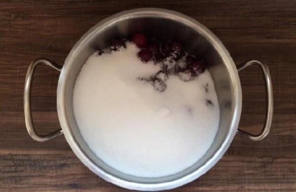 Черешня с сахаром для варенья на зиму