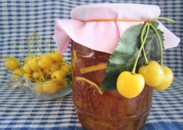 Варенье из желтой черешни с орехами на зиму